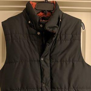 Mens' quited vest
